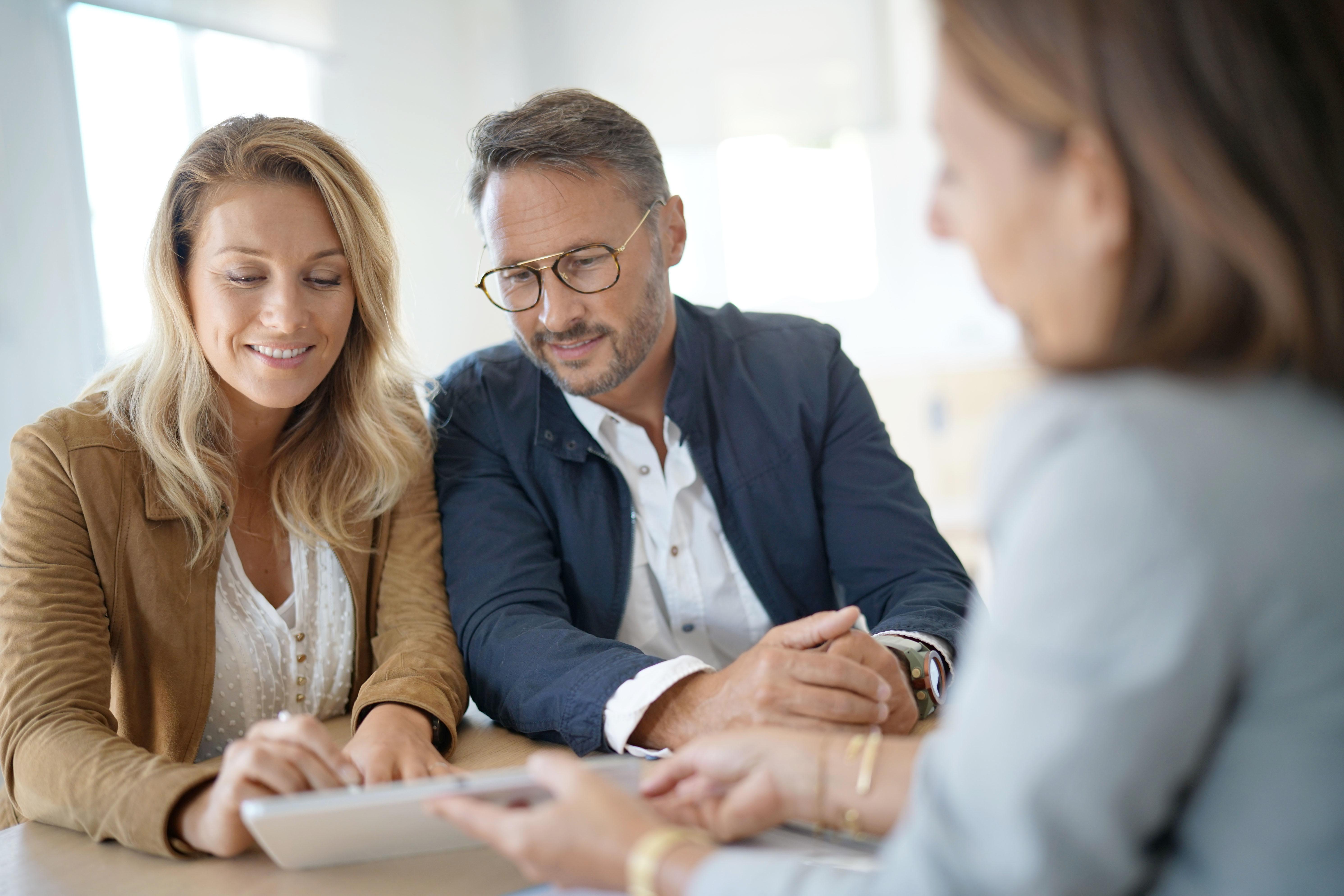 Investir dans la pierre : achat de bureau ou appartement