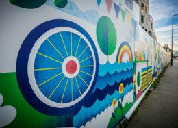Une fresque colorée sur le chantier d'Ascension Paysagère